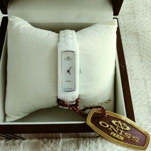 BNIB ONISS White Ceramic Tank Watch